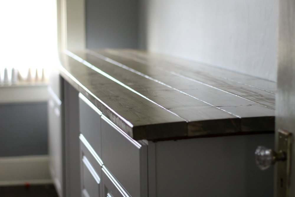 craft room desk 1