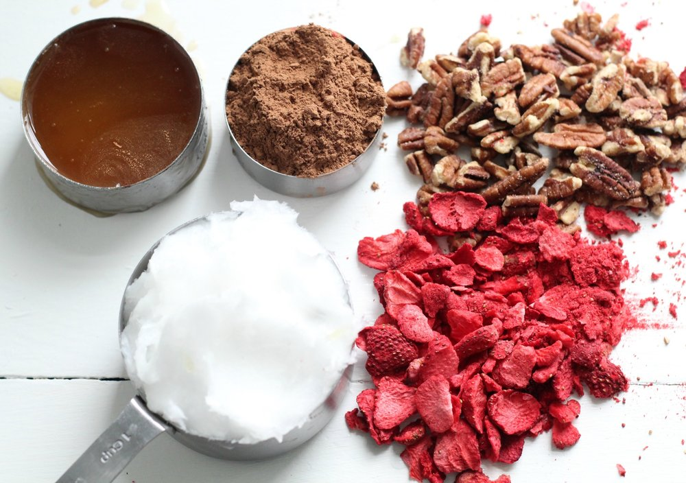 chocolate covered strawberry paleo mounds