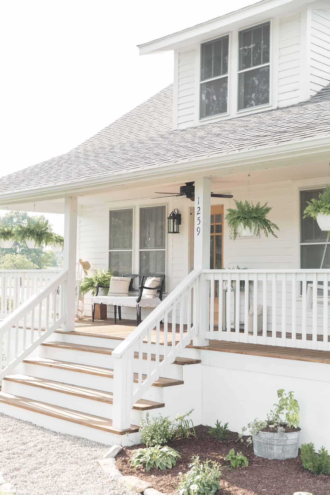 Farmhouse porch curb appeal makeover reveal farmhouse on for Farn house