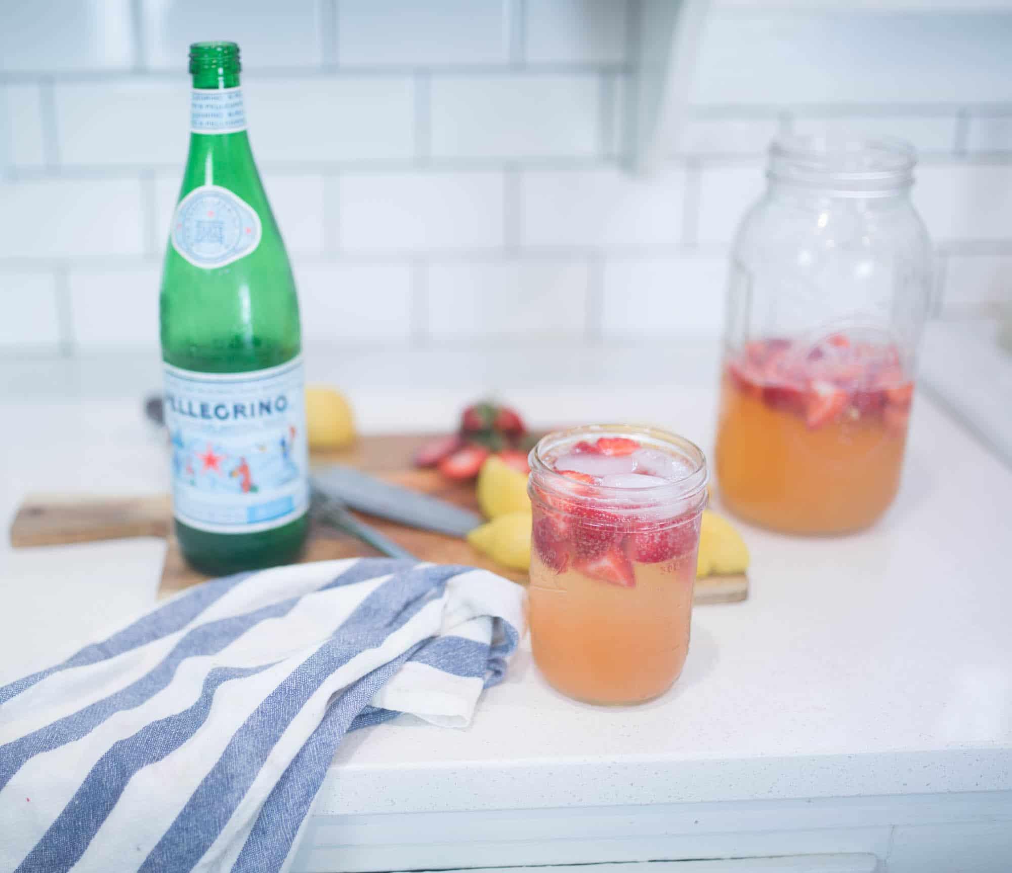 Recipe for seltzer water strawberry lemonade