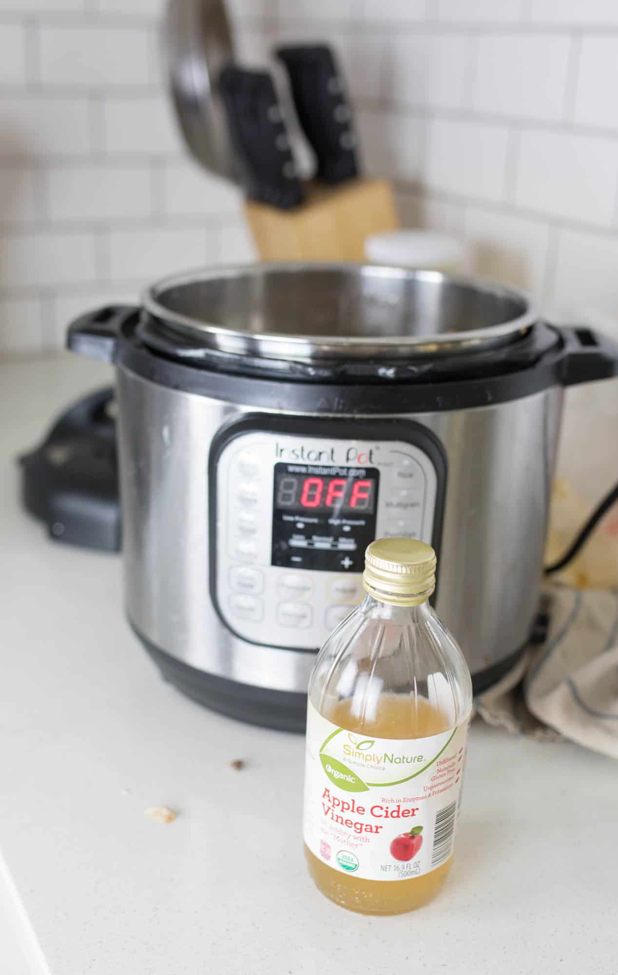 Learn how to make homemade bone broth in the instant pot pressure cooker