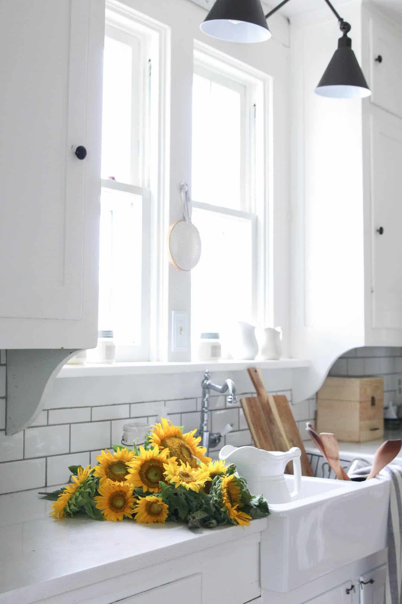 late summer white farmhouse kitchen