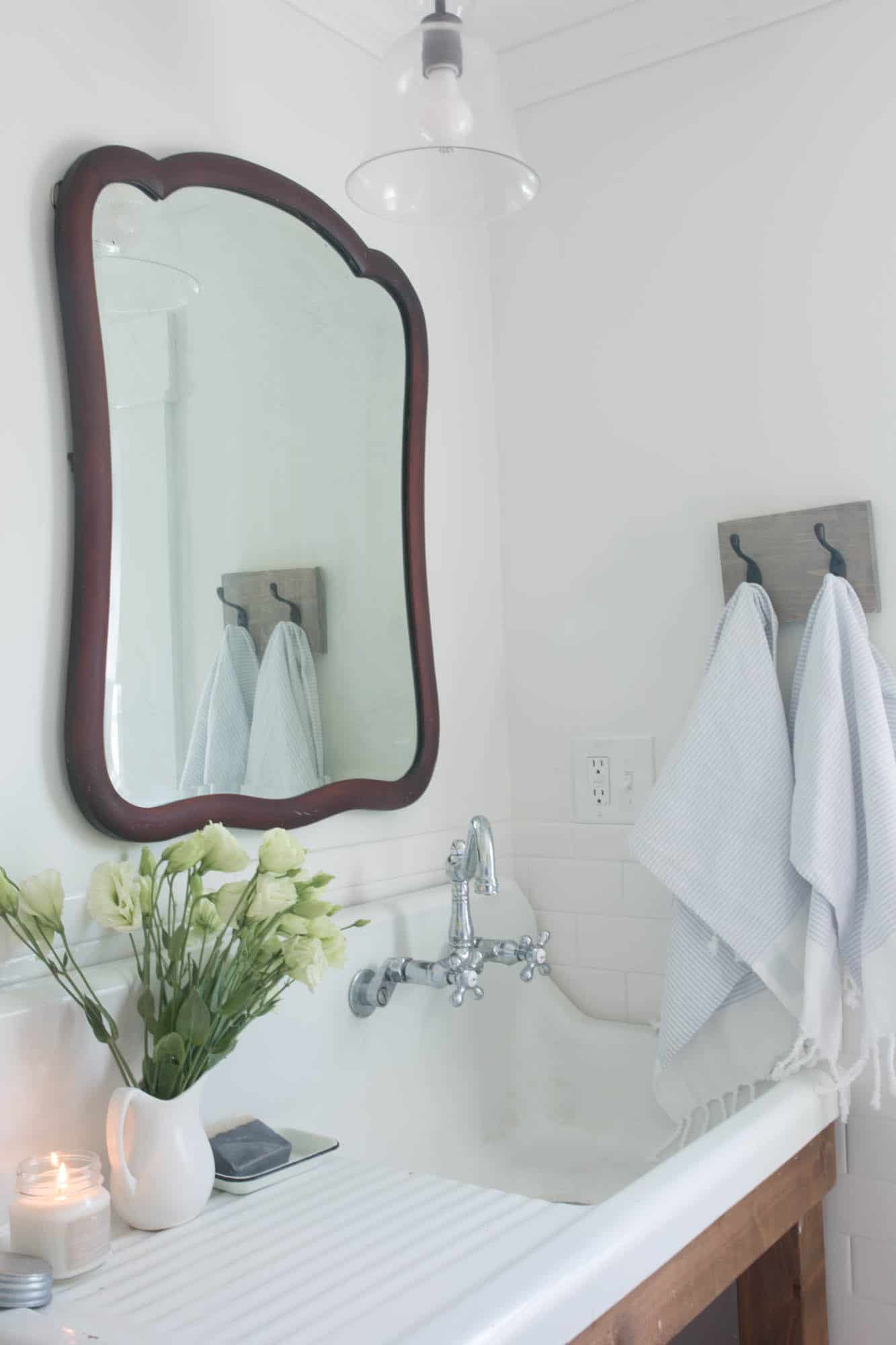 Farmhouse Bathroom Refresh- Vintage Mirror and Turkish Towels