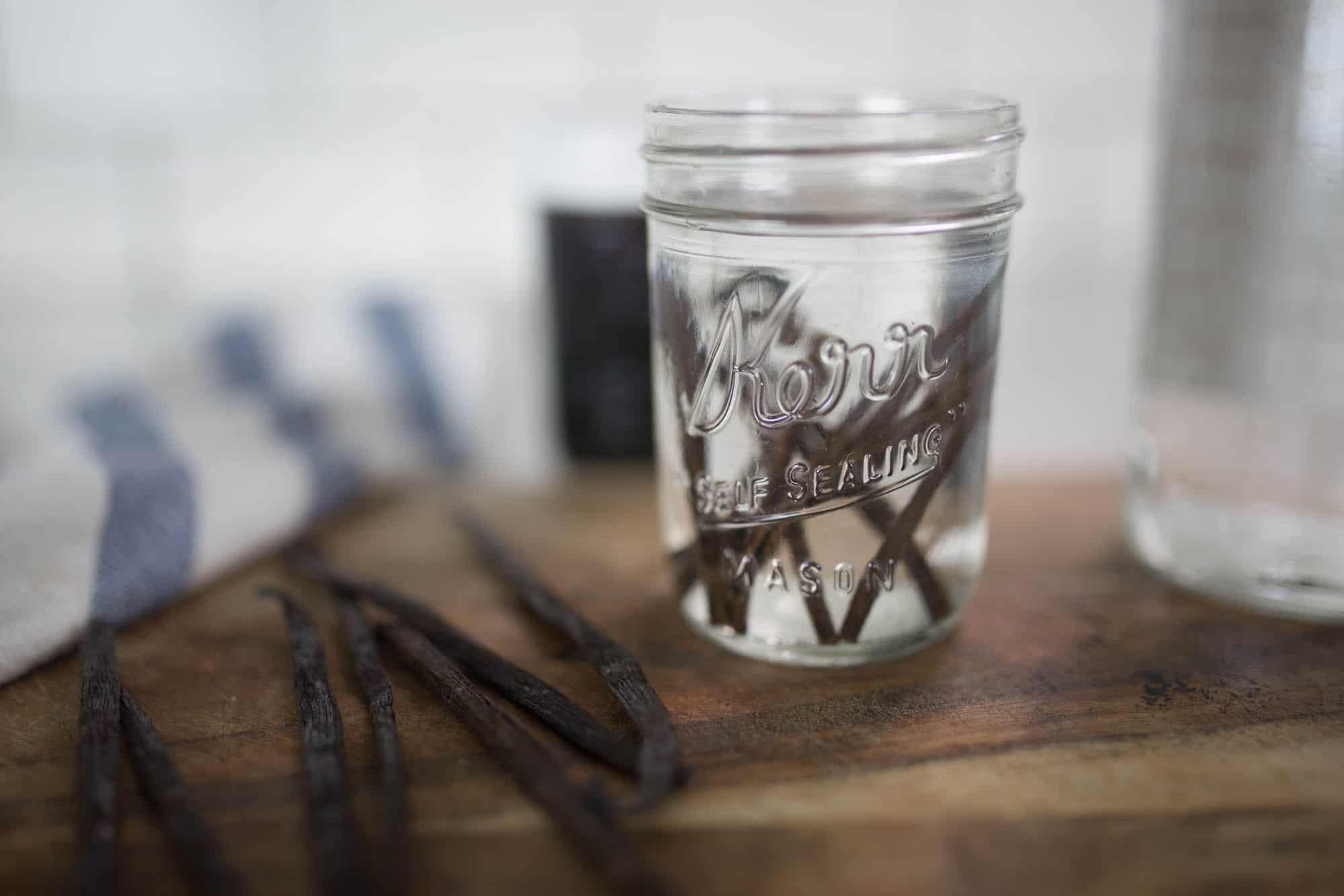 simple way to make homemade vanilla extract