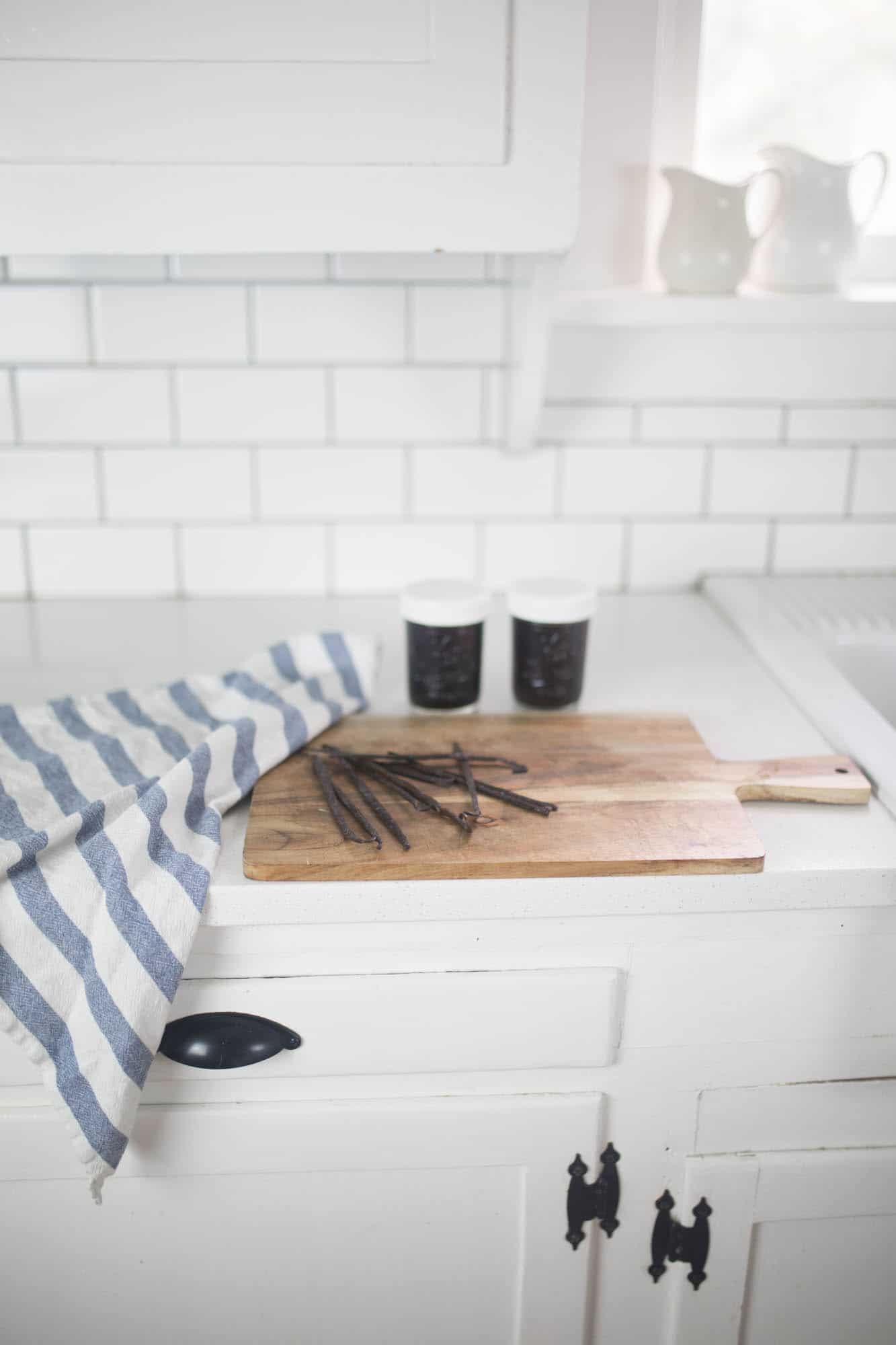 learn how to make homemade vanilla extract with only two ingredients