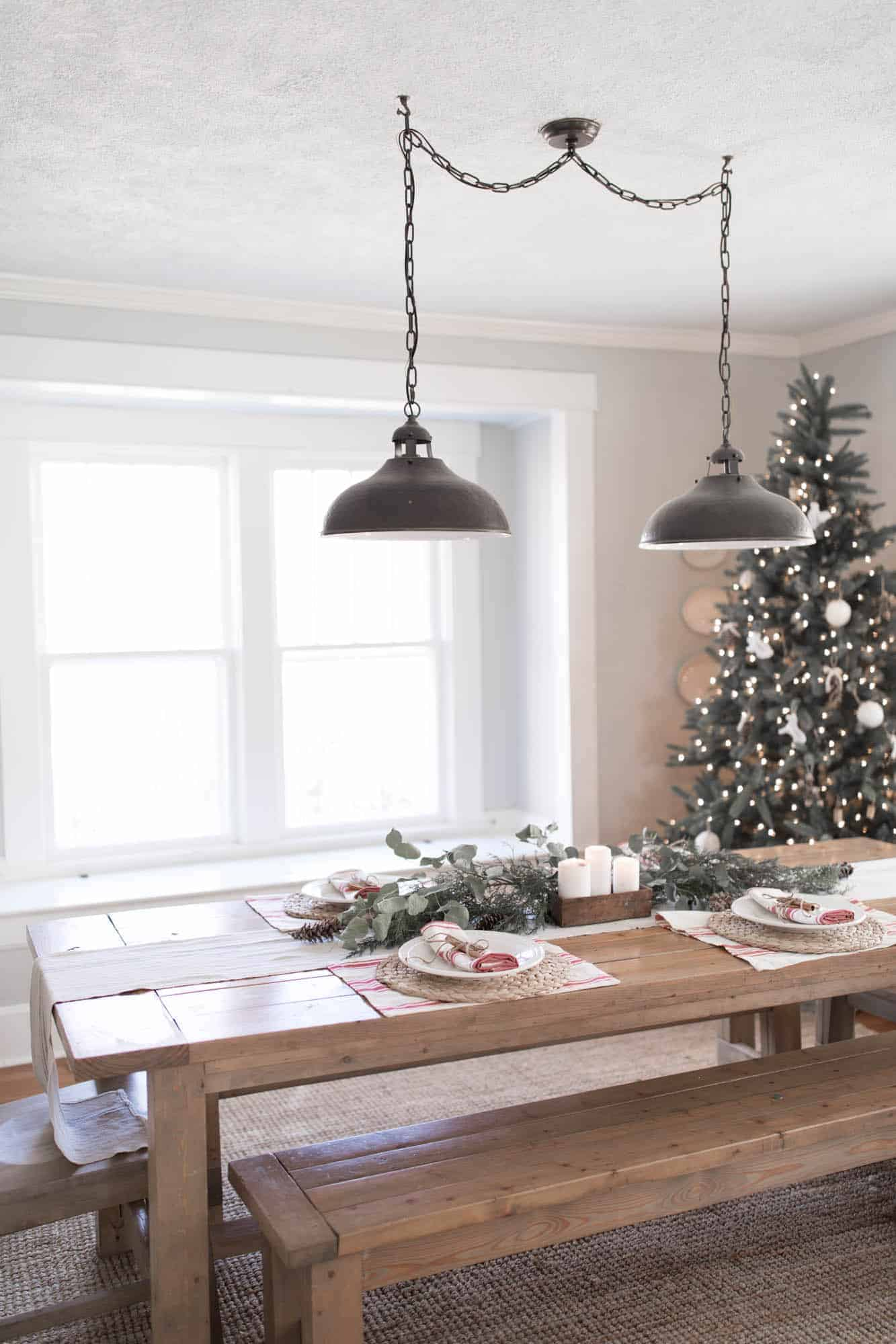 my theme for christmas this year and pretty much always is simplicity - Christmas Dining Room