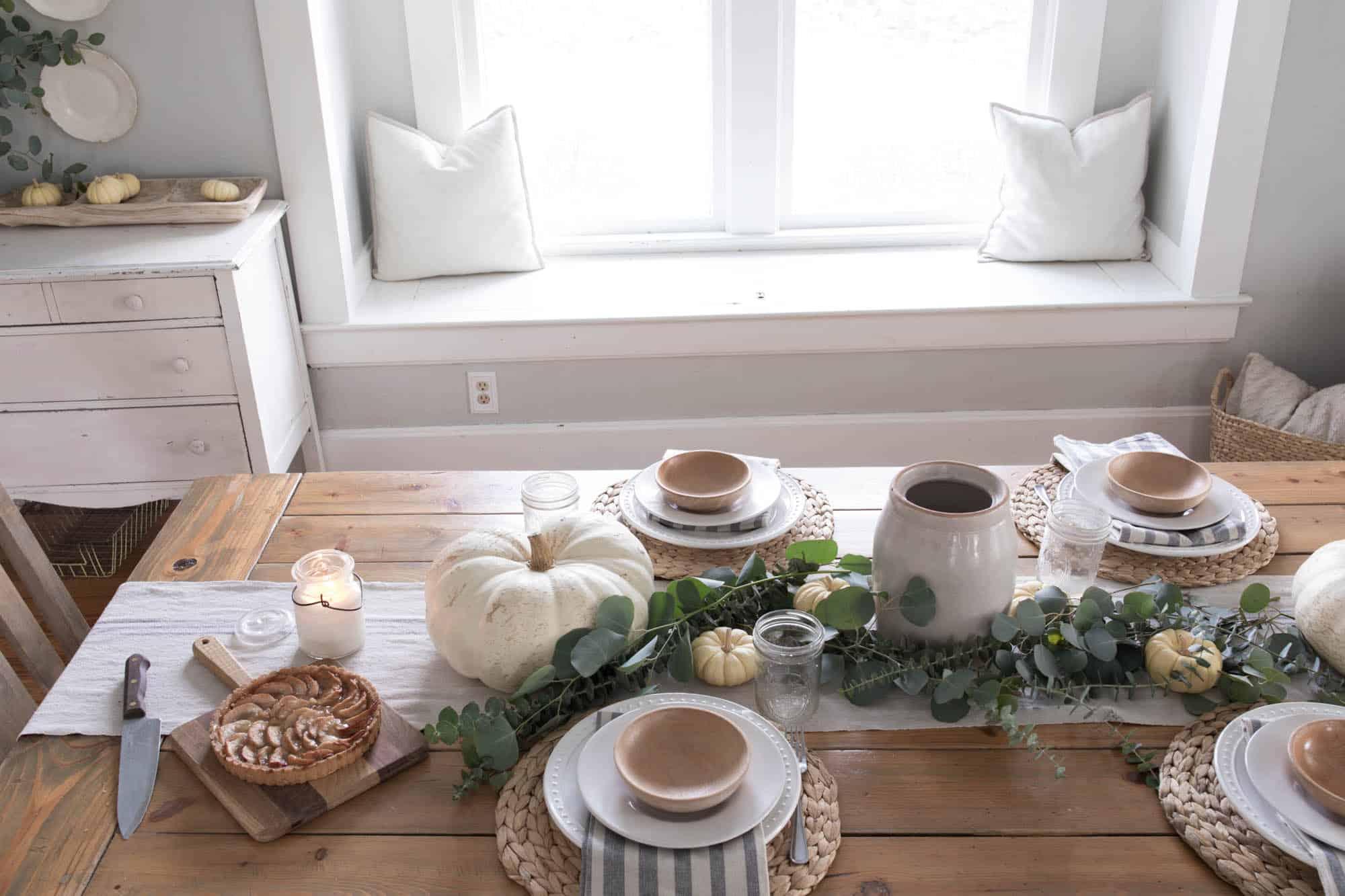 Cozy farmhouse Thanksgiving Table Setting