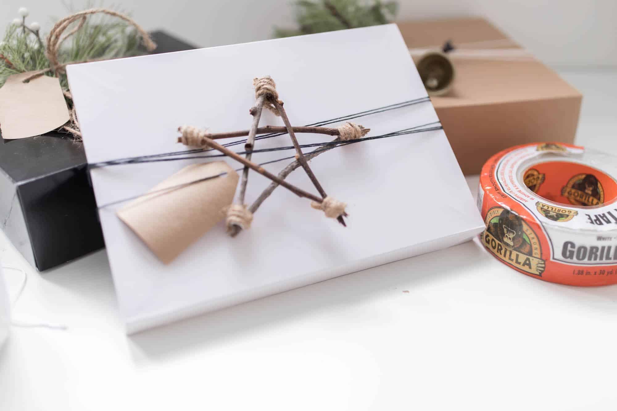 DIY Twig Stars Scandinavian Christmas Gift Wrap
