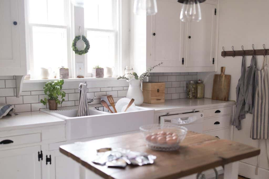 Farmhouse Spring Kitchen