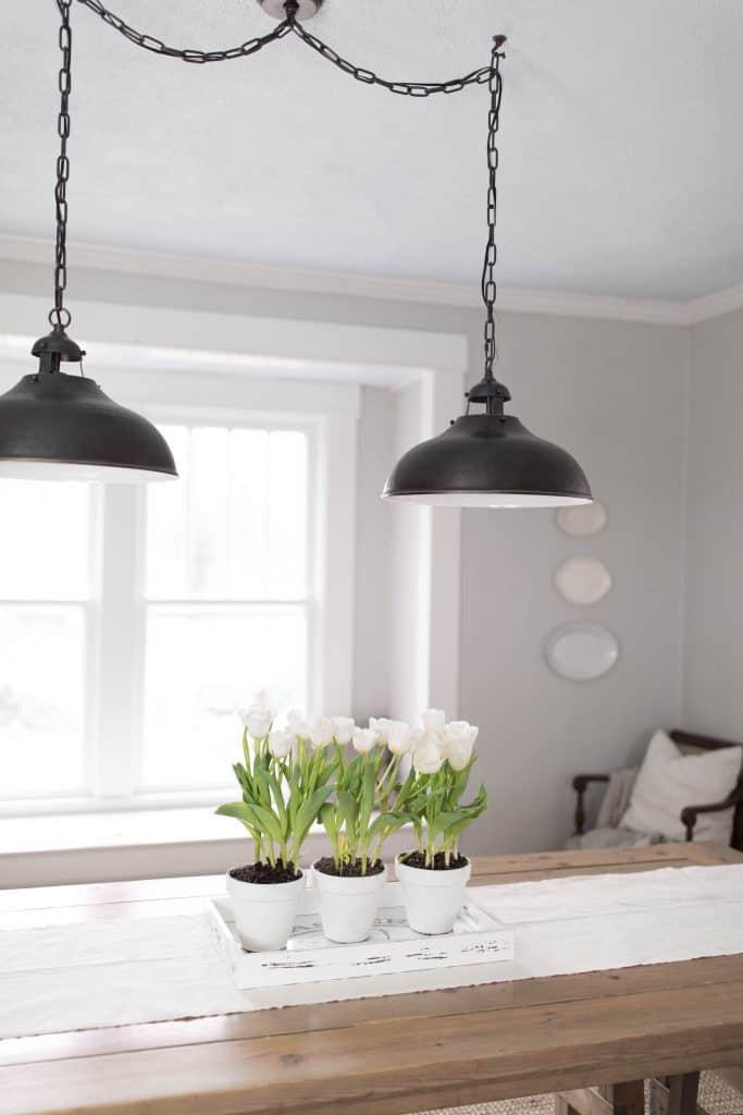 simple potted tulip centerpiece farmhouse table decor