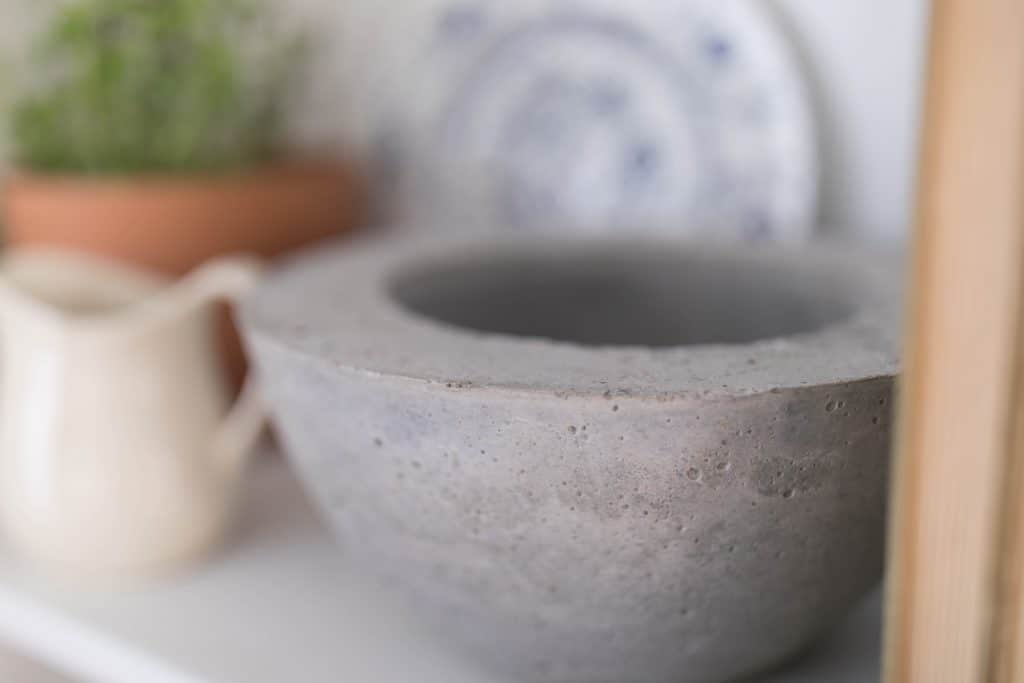How to make a concrete bowl diy project